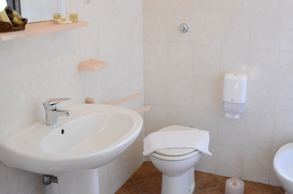 hotel-funtana-noa-villanovaforru-sardegna-le-camere12